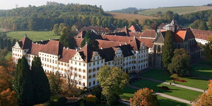 Kloster und Schloss Salem aus der Luft; Foto: Staatliche Schlösser und Gärten Baden-Württemberg, Achim Mende