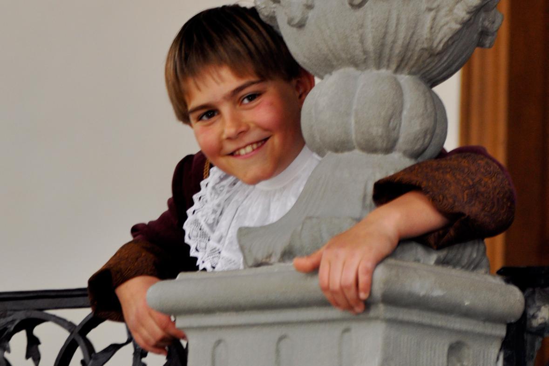 Junge im Neuen Schloss Meersburg