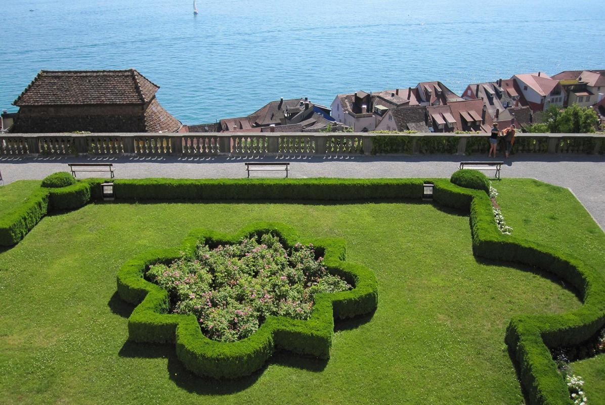 Palace garden with a view of the Lake Constance, Meersburg New Palace. Image: Staatliche Schlösser und Gärten Baden-Württemberg, Nina Kreckel