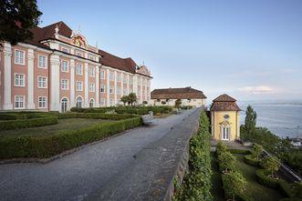 Neues Schloss Meersburg, Blick über die Schlossterrasse
