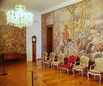 "Full-wall design with pictures from ""Les Chasses de Maximilien"" (The Hunts of Maximilian), Meersburg New Palace. Image: Hermann Böhne"