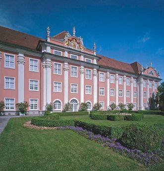 Gartenfassade des Neuen Schlosses Meersburg; Foto: Staatliche Schlösser und Gärten Baden-Württemberg, Arnim Weischer
